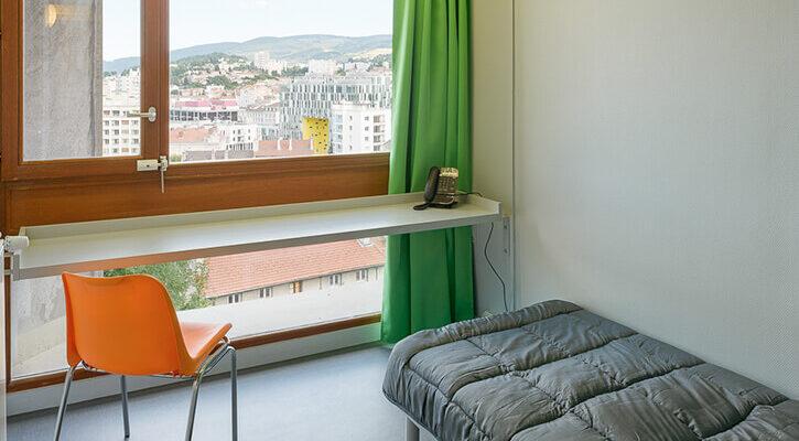 chambre-verte-saint-etienne-accueil-jeune-wogenscky
